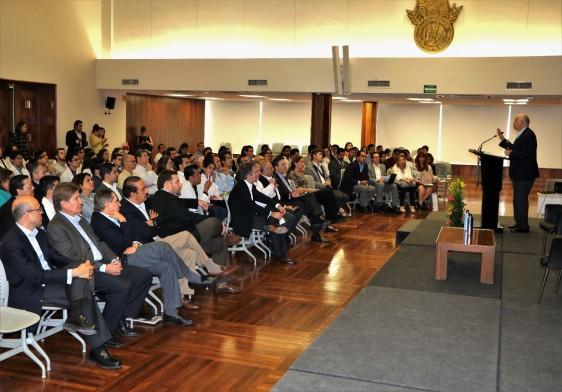 Durante su visita a Nuevo León, el Secretario de Salud visitó el Hospital Zambrano Hellion, en donde conoció el modelo de Centros Médico-Académicos de TecSalud.