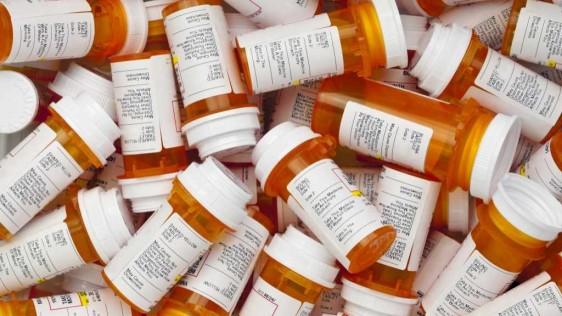 En Estados Unidos ocurren en realidad más fallecimientos por sobredosis relacionadas con los opioides que por sobredosis de heroína y cocaína combinadas.