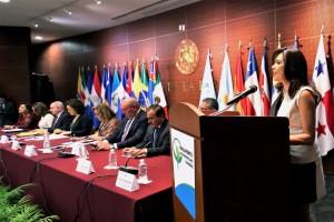 Lograr democracias paritarias requiere crear leyes más estrictas: presidenta del Parlatino