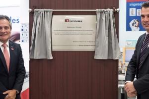 Farmacias Benavides, celebra el centenario de su fundación con la inauguración de una placa conmemorativa en su primera sucursal, ubicada en Monterrey, Nuevo León.