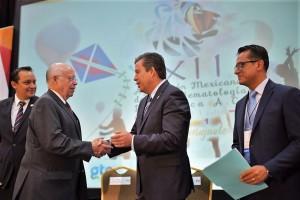 Hay mucho por hacer y es tiempo de sumar esfuerzos y recursos para atender este tipo de problemas que afectan a la niñez y a la juventud,  advirtió el Secretario José Narro.