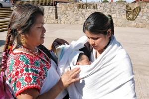 Son mujeres líderes, reconocidas en sus comunidades por sus habilidades, conocimientos y destrezas para la atención del embarazo, parto y puerperio, y que de manera ancestral atienden a las embarazadas brindándoles cuidados y atención.