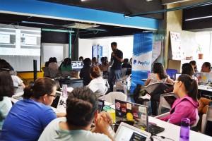 Más de 100 alumnas de Laboratoria participaron en el Programa de Desarrolladores Certificados de PayPal en 3 países de América Latina.