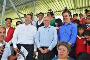 Los secretarios de Salud, José Narro, y de Educación Pública, Aurelio Nuño, así como el gobernador Marco Antonio Mena encabezaron la presentación del el programa piloto Salud en tu Escuela.