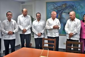 El doctor José Narro refrendó el compromiso de cooperación conjunta para mejorar el sistema de salud nacional