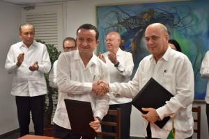 El director general del IMSS, Mikel Arriola Peñaloza, señaló que uno de los logros de Cuba ha sido la atención desde el médico familiar, hecho que se debe aplicar en México.