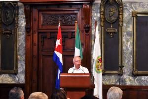 El Secretario de Salud dictó la conferencia magistral en la Universidad de La Habana, Cuba.