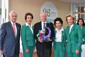 El doctor José Narro, tuvo un acercamiento con pacientes y familiares beneficiarios de Casa de la Amistad para Niños con Cáncer I.A.P.