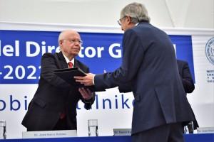 El Secretario de Salud, José Narro Robles, encabezó la ceremonia de toma de posesión
