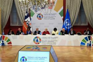 """""""Las intervenciones en favor de las mujeres, la niñez y la adolescencia, generan impactos tremendamente positivos y será esencial para la construcción de sociedades más desarrolladas"""", Michelle Bachelet, Presidenta de la República de Chile."""