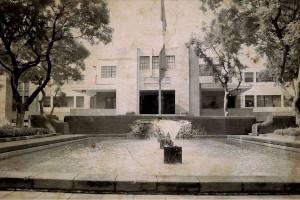 Laboratorio Central de Análisis que se localizaba en la calle de Lieja, actual sede de la Secretaría de Salud.