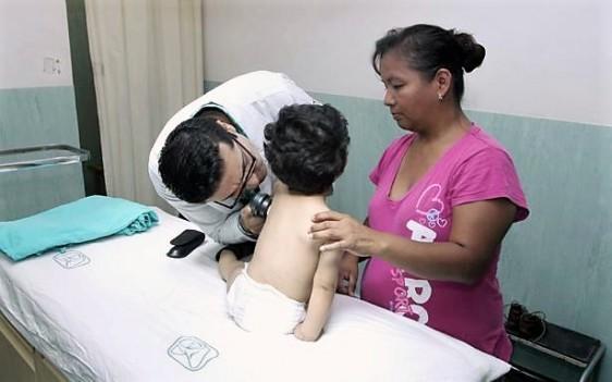Dermatología pediátrica, alergología y reumatología trabajan en forma multidisciplinaria en el IMSS; son los servicios que más casos atienden de urticaria.