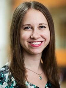 Dra. Lauren Dalvin, médica becaria en Oncología Molecular de la Fundación Mayo