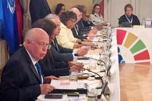 Durante la reunión en Santiago de Chile, detalló las políticas y estrategias de México para garantizar el bienestar de estos sectores de la población.