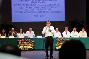 Arriola Peñalosa reiteró que las pensiones están garantizadas y que no hay plan privatizador del Seguro Social.