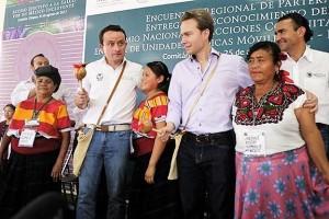 El Director General, Mikel Arriola, informó que por la labor que realizan más de 2 mil parteras en el estado, cada vez estamos más cerca de lograr la meta de cero muerte materno-infantil.
