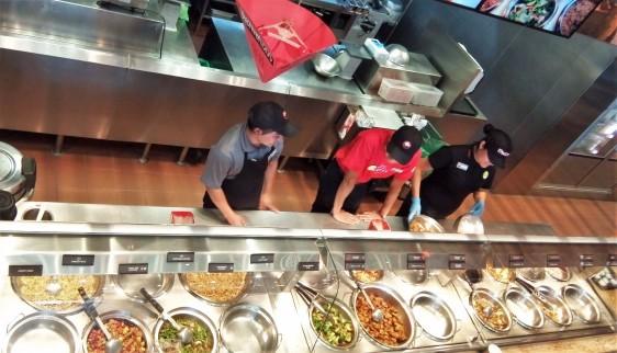 Panda Express ofrece un menú diseñado para los amantes de la comida china americana que buscan comer algo ligero.