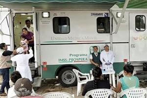 En Oaxaca, Chiapas, Puebla y Morelos se han desplegado 2,000 profesionales de la salud, entre médicos, enfermeras, psicólogos, nutricionistas, odontólogos, promotores de salud y epidemiólogos.