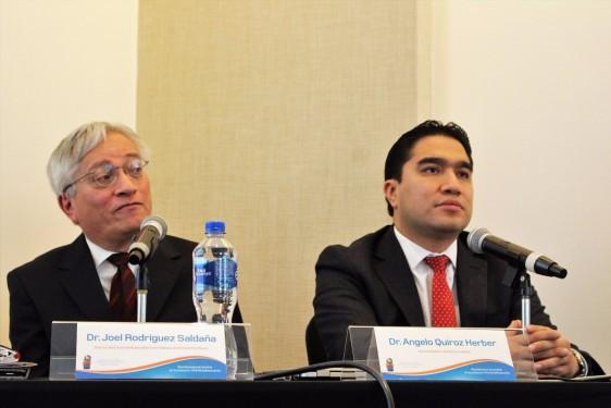 De izquierda a derecha Dr. Joel Rodríguez, director del Centro Multidisciplinario de Diabetes de la Ciudad de México; y Dr. Ángelo Quiroz, gerente médico de Laboratorios Silanes.