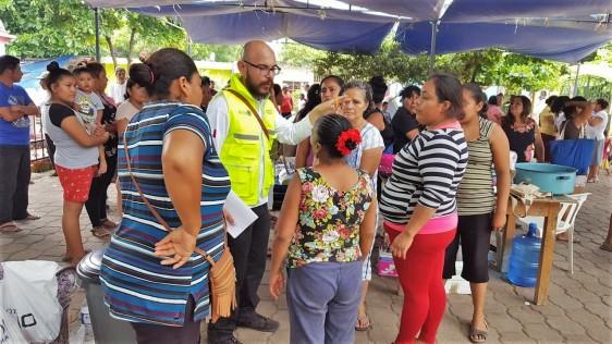 Supervisa la COFEPRIS calidad de alimentos y agua en albergues y comedores comunitarios en Chiapas y Oaxaca.