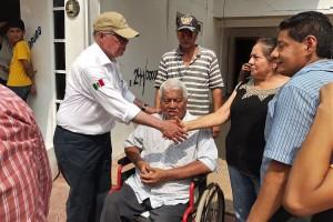 El Secretario de Salud, José Narro, realizó recorridos para evaluar avances en zonas afectadas en Oaxaca.