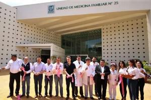 En Tuxtla Gutiérrez, los funcionarios reabrieron la Unidad de Medicina Familiar número 25, la más grande del estado.