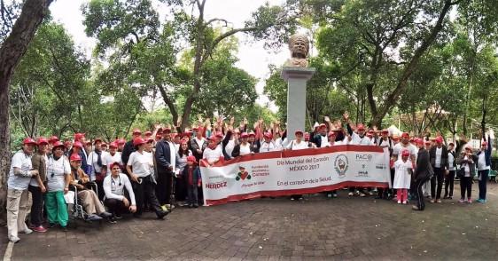 """Participantes en la caminata abierta """"Por Un Corazón Sano"""""""
