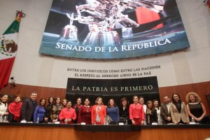 Se conmemora en el Senado el 64 aniversario del derecho del voto a la mujer
