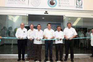 El Director General, Mikel Arriola, inauguró el Centro de Excelencia Oftalmológica que realizará al año 6,600 cirugías de cataratas, retinopatía diabética y otros males.