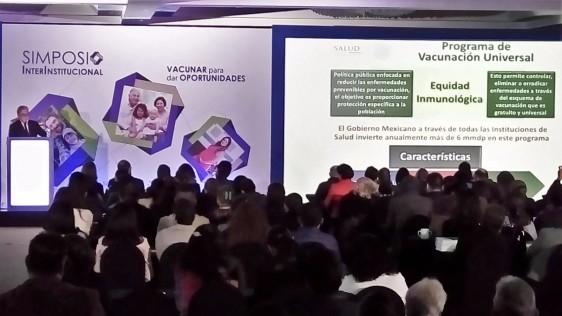 """Presentación del Dr. Luis Durán Arenas, director del Centro Nacional para la Salud de la Infancia y la Adolescencia (Censia) en el Simposio Interinstitucional """"Vacunar para dar Oportunidades"""""""