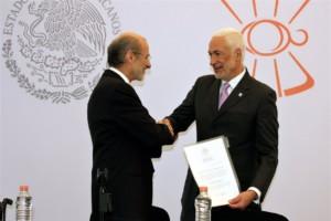 El titular de la CCINSHAE Guillermo Ruíz Palacios le dio posesión