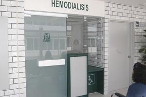En el Centro Médico Nacional Siglo XXI se atiende cada año a cien niños en los programas de diálisis peritoneal y hemodiálisis.