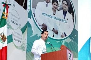 El Director General del Seguro Social, Tuffic Miguel, clausuró el Ciclo Académico 2017-2018 de los cursos de especialización de residentes médicos e inauguró el de este año.