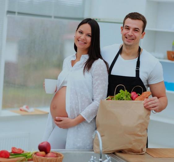 Dieta balanceada beneficia al mejor desarrollo del embarazo.