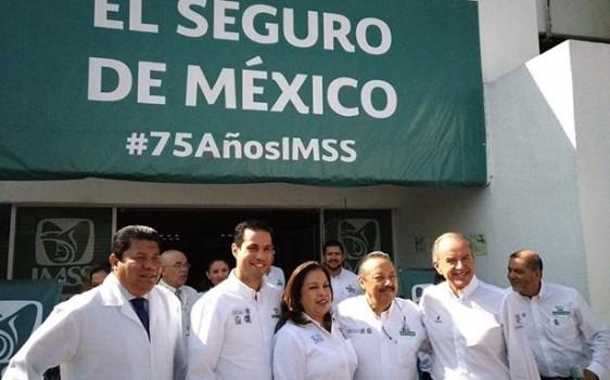 En la capital del estado, el Director General, Tuffic Miguel, inauguró la ampliación y remodelación de la Unidad de Medicina Familiar del Hospital General de Zona Número 2, con una inversión superior a los 25 millones de pesos.