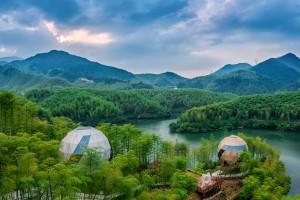 Cada vez hay más viajeros en todo el mundo interesados en alojamientos ecológicos, sin importar que esto implique un costo extra.