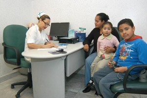 El padecimiento, conocido como enuresis, es tratado a través de un equipo multidisciplinario.