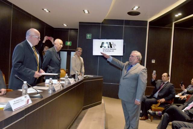 Heberto Arboleya Casanova tomó protesta como nuevo Presidente de la Asociación Mexicana de Hospitales, A.C.