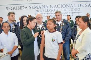 El Secretario de Salud Dr. José Narro Robles, con el gobernador de Puebla José Antonio Gali Fayad y la secretaria de salud del estado de Puebla, Dra. Arely Sánchez Negrete.