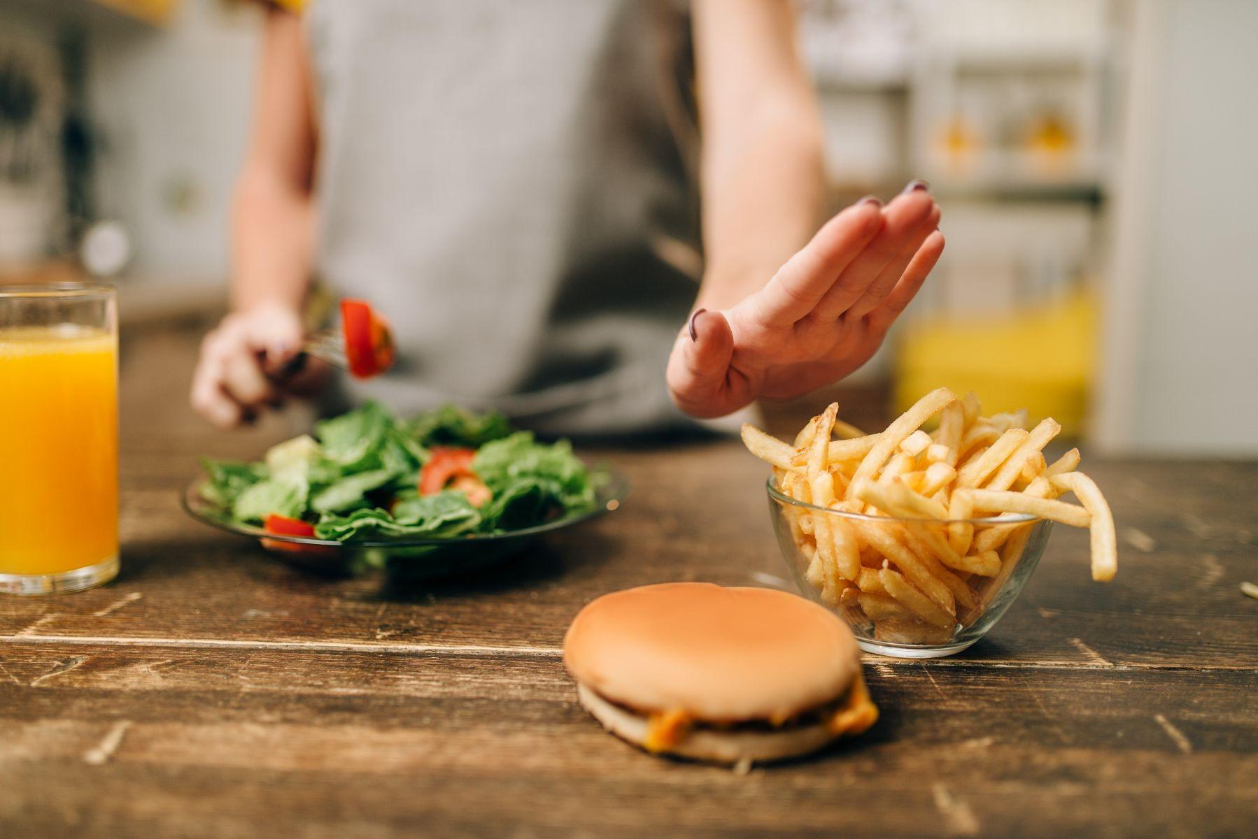 seleccionando alimentos saludables