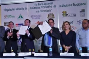 """El Comisionado Federal JSyT inauguró el 1er Foro Nacional """"Regulación Sanitaria de la Cadena Productiva de la Medicina Tradicional y la Herbolaria"""""""