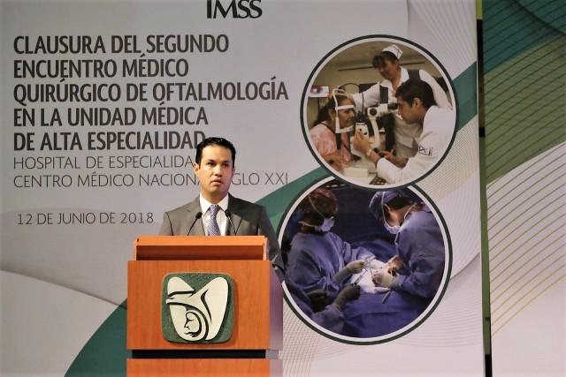 El Director General del Seguro Social, Tuffic Miguel, clausuró el Encuentro Médico Quirúrgico, en el que participaron más de 300 personas, entre cirujanos oftalmólogos, médicos residentes, personal de enfermería y técnicos.