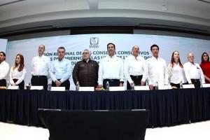 El anuncio se dio durante el encuentro de consejeros patronales y obreros, así como delegados y directores médicos de Jalisco, Colima, Michoacán, Durango y Nayarit. En esta administración se invierten más de 5,350 millones de pesos en infraestructura y equipamiento médico, en las cinco entidades.
