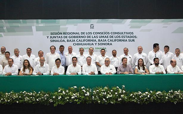 En esta sexta reunión de Consejos Consultivos y Juntas de Gobierno participaron los delegados del IMSS, directores normativos y representantes obreros y patronales que integran estos organismos en los estados del noreste.