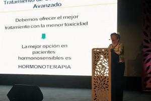 Ana María Lluch Hernández, oncóloga e investigadora reconocida a nivel internacional en oncología, especializada en cáncer de mama