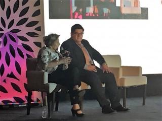 En el evento de lanzamiento, al que asistieron más de 100 médicos de todo el país, estuvieron presentes la Dra. Ana María Lluch Hernández, oncóloga e investigadora reconocida a nivel internacional en oncología, especializada en cáncer de mama y el Dr. Saúl Campos, oncólogo, investigador y Jefe de servicio de Oncología del COE.
