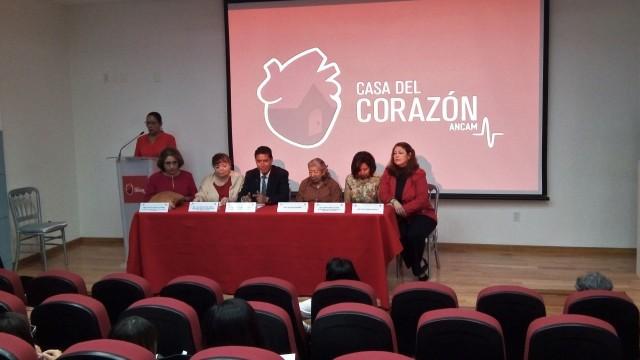 En el evento también estuvo presente el Dr. Francisco Javier León, Presidente de la Asociación Nacional de Cardiólogos de México (ANCAM) y la Dra. Hilda Peralta Rosado, cardióloga miembro de la ANCAM.