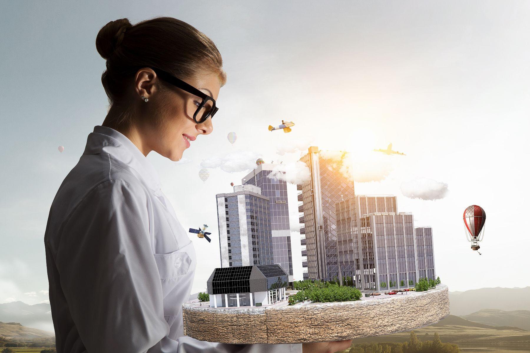 investigadora observando una ciudad