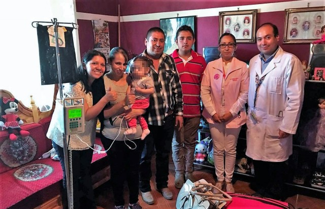 El Seguro Social otorgó el equipo médico y acondicionó la casa de la niña, para que continúe el tratamiento en compañía de su familia.