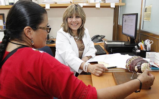 De los más de 1,500 derechohabientes que recibieron tratamiento con antivirales de última generación, en los últimos meses, el 96 por ciento eliminaron el virus en su totalidad y recuperan su calidad de vida.